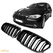 Решетки радиатора (ноздри) BMW F10 F11 F18 горбатые M5 стиль черные глянцевые GCP-051001